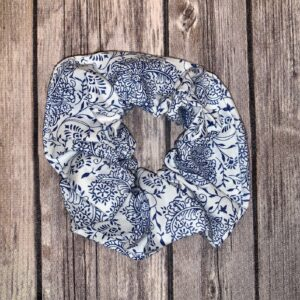 Scrunchie – White and Blue